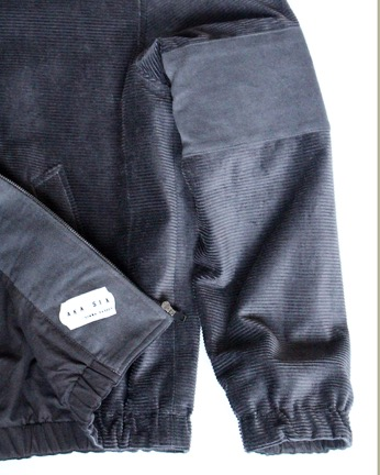 x-bullit-jkt-grey-detail-label